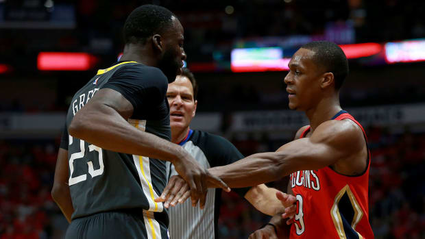 rondo_and_draymond_are_not_friends.jpg
