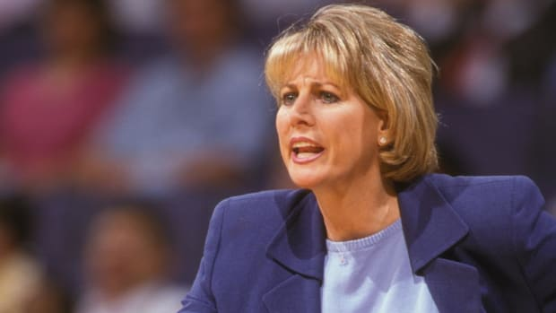 Nancy Lieberman Becomes First Female Head Coach In Men's Pro Sports League, Signs on with BIG3 - IMAGE