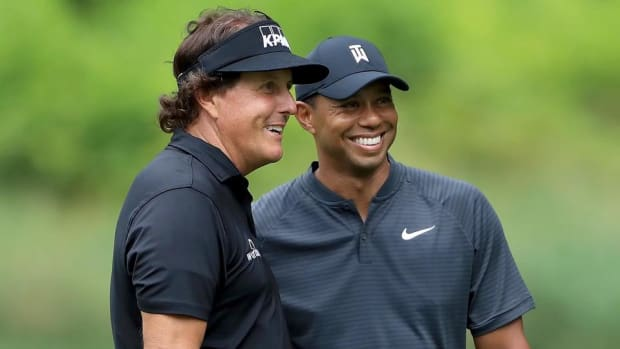 Tiger Woods, Phil Mickelson Officially Announce Thanksgiving Weekend Showdown - IMAGE
