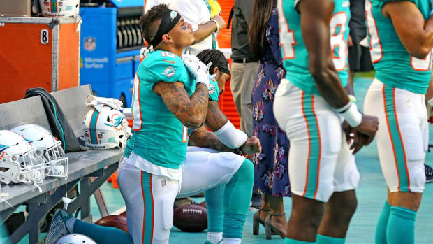 Report: NFL Owners Interested In No Discipline For Anthem Protestors--IMAGE