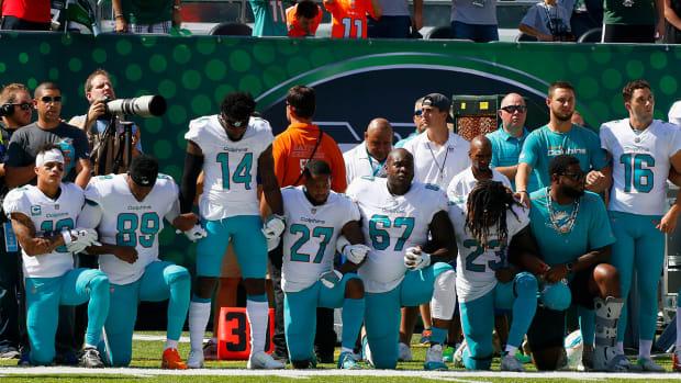 dolphins-national-anthem-protests.jpg