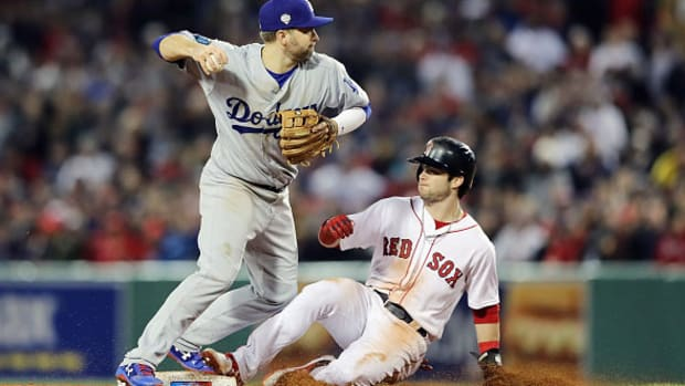 red_sox_dodgers_game_2.jpg