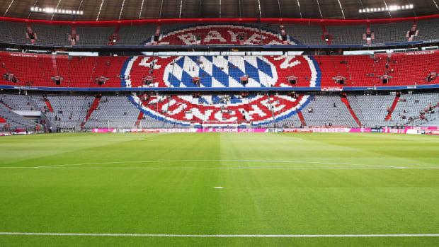 bayern-muenchen-v-manchester-united-friendly-match-5bf3f5a4e14f589906000012.jpg