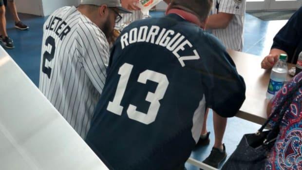 rays-roast-yankees-jerseys.jpg