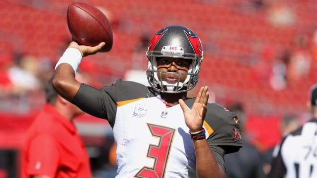 Report: NFL Plans to Suspend Buccaneers Quarterback Jameis Winston - IMAGE
