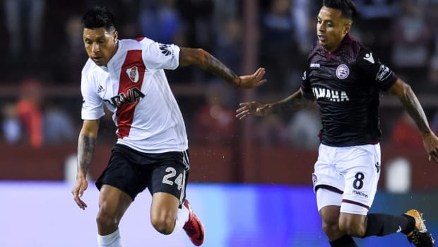 lanus-v-river-plate-superliga-2017-18-5bad912d9e8b98c849000001.jpg