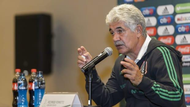 mexico-press-conference-5bc7276f35f7a64072000010.jpg