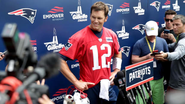 Tom Brady Leaves Hint on His Retirement Age in Instagram Comment - IMAGE