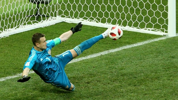 russia-spain-pks-akinfeev-world-cup.jpg