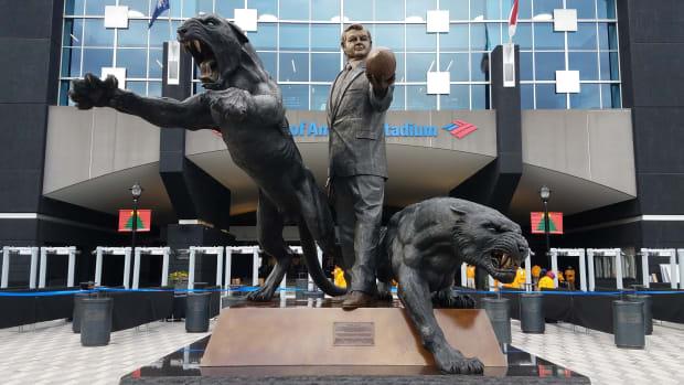 jerry-richardson-statue-staying-up.jpg