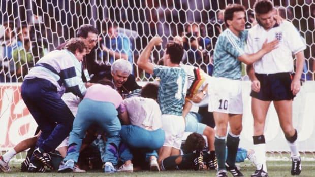 fussball-wm-1990-halbfinale-in-turin-ger-eng-4-3-n-e-5aec7a313467acbd8a000034.jpg