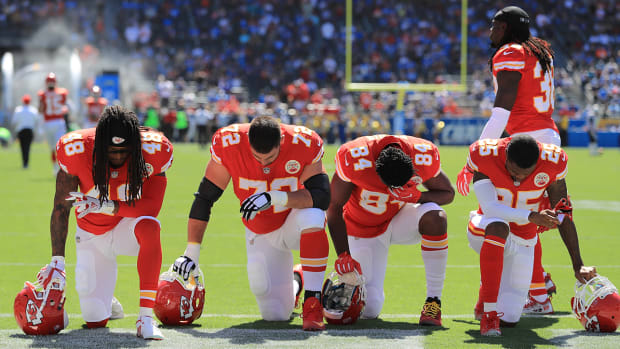 protests-nfl-owners-national-anthem.jpg