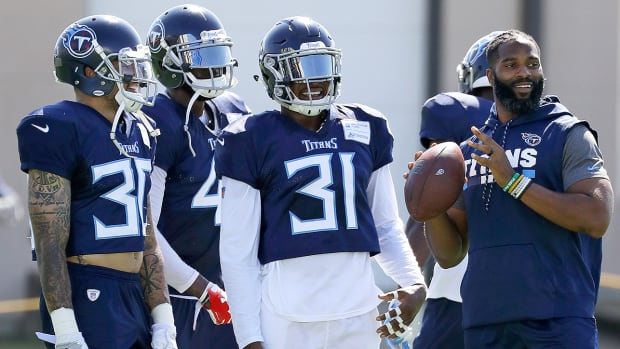 kenny-vaccaro-kevin-byard-tennessee-titans-training-camp.jpg