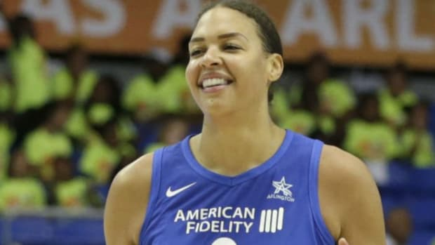 Liz-Cambage-WNBA-points-record.png