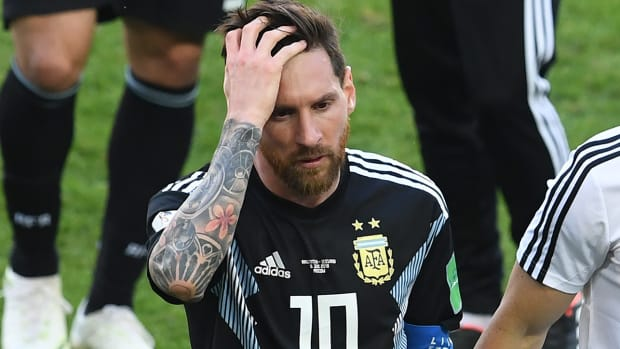messi_looks_sad_after_draw_to_iceland.jpg