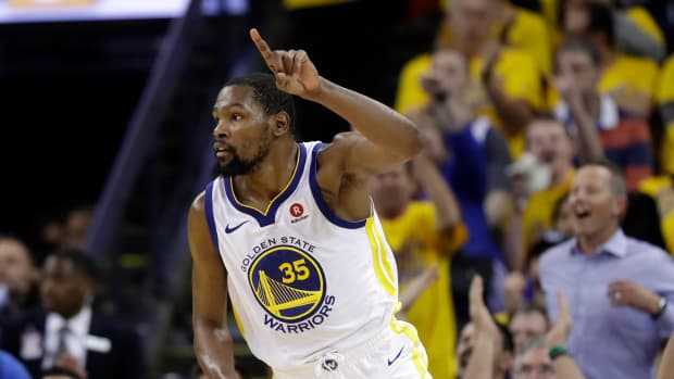 kevin-durant-re-sign-with-warriors.jpg