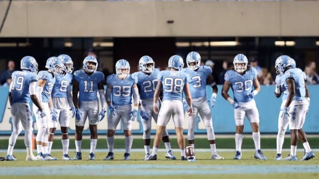 13 North Carolina Football Players Suspended for Sneaker Sale Scandal--IMAGE