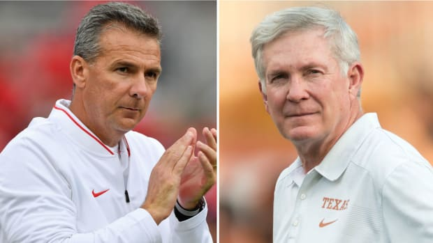 urban-meyer-mack-brown-phone-call.jpg