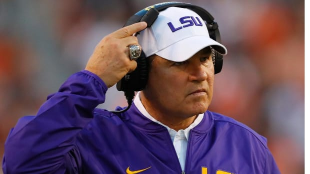 Kansas Finalizing Deal to Hire Les Miles as Jayhawks Head Coach - IMAGE