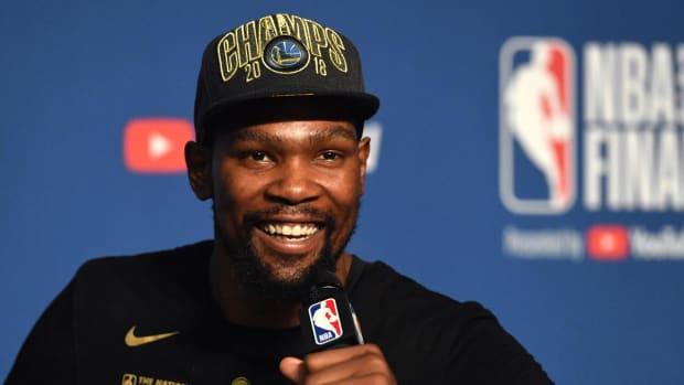 Kevin Durant Tells C.J. McCollum That Blazers Have No Shot at NBA Championship--IMAGE