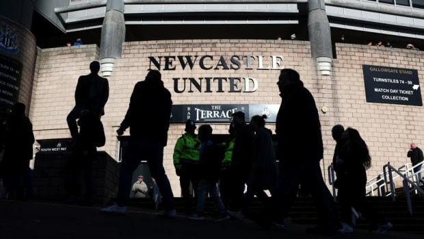 newcastle-united-v-manchester-united-premier-league-5be457b8b47f3d9879000001.jpg