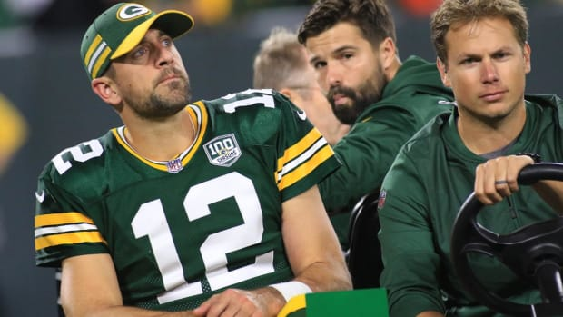 Report: Packers QB Aaron Rodgers Suffers 'Setback' in Knee Rehab--IMAGE