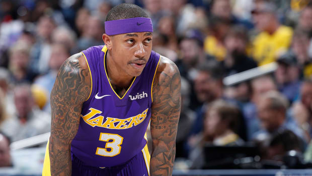 isaiah-thomas-injury-surgery.jpg