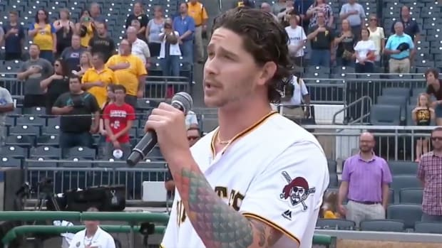 pirates-pitcher-brault-national-anthem.png