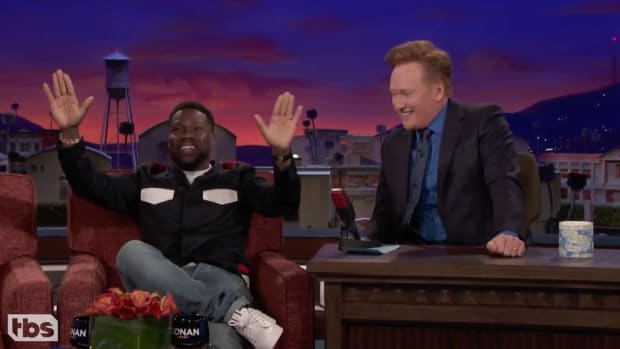 kevin-hart-super-bowl-trophy-stage-conan-video.png
