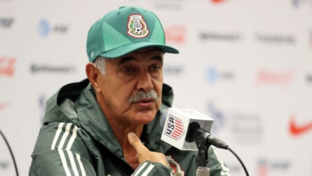 mexico-training-and-press-conference-5b97d836f7f01111bd000001.jpg