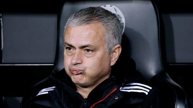 valencia-v-manchester-united-uefa-champions-league-5c1617ab8ab1dff24d000001.jpg