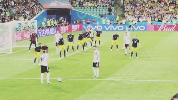 toni-kroos-kick-view-from-stands.jpg