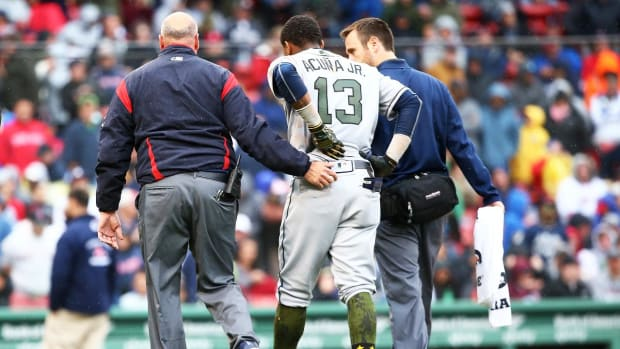 Braves Rookie Ronald Acuña, Jr. Leaves Game With Leg, Back Injuries - IMAGE