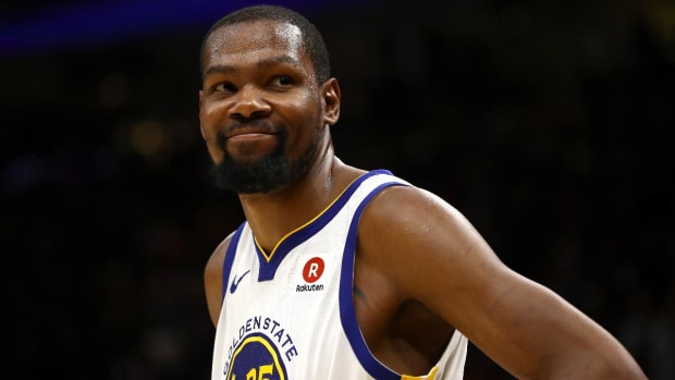 Report: Kevin Durant Intends to Sign Two-Year Deal With Warriors - IMAGE