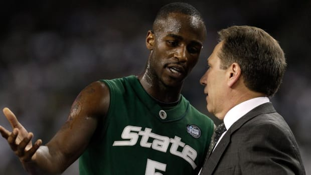 Former Michigan State Basketball Player Travis Walton Denies Assault Allegations in ESPN Report - IMAGE