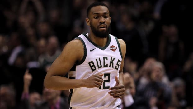 Jabari Parker, Bulls Agree to Two-Year, $40 Million Contract--IMAGE