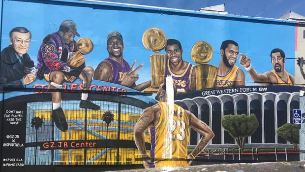 second-lakers-mural-vandalized.jpg
