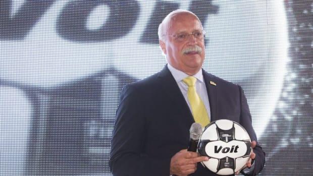liga-mx-unveils-official-ball-5b86a9d56413842b0a00000a.jpg