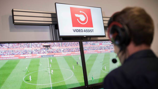 how-does-var-work-in-world-cup.jpg