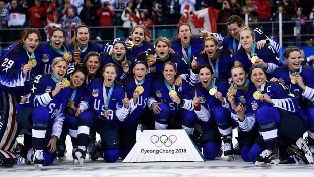 2018-us-women-hockey-gold.jpg