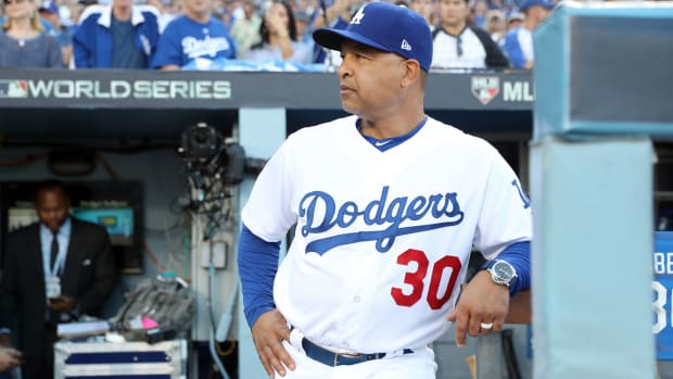 dave-roberts-nearing-contract-extension-dodgers.jpg