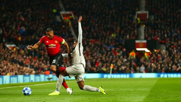 manchester-united-v-bsc-young-boys-uefa-champions-league-group-h-5c0937f6cf7ece2fba000003.jpg
