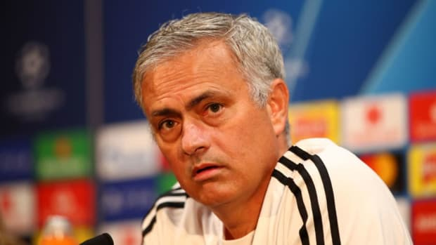 manchester-united-training-and-press-conference-5bb32b49863838a163000001.jpg