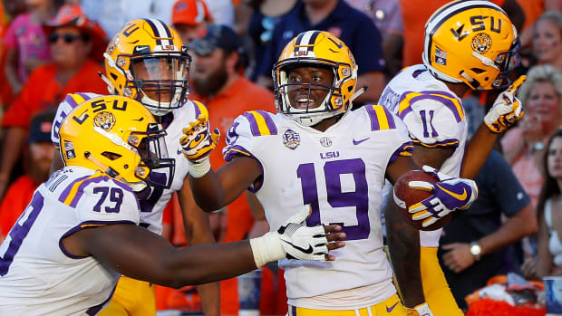 lsu-jumps-up-ap-poll-week-four.jpg