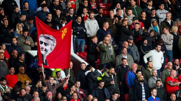 manchester-united-v-newcastle-united-premier-league-5bfcf471676a505ea1000001.jpg