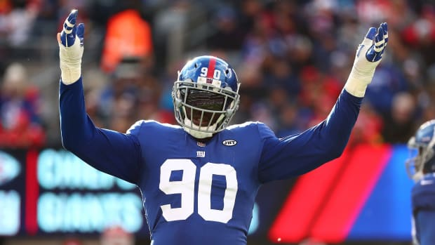 jason-pierre-paul-buccaneers-giants-trade-draft-picks.jpg