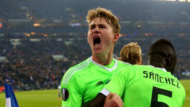 fc-schalke-04-v-ajax-amsterdam-uefa-europa-league-quarter-final-second-leg-5af3241e7134f635b7000002.jpg