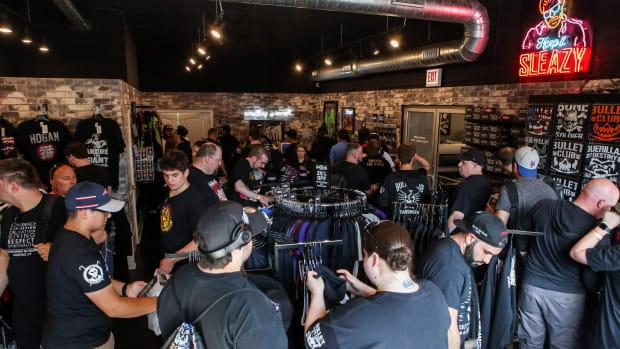 pro-wrestling-tees-chicago-all-in-weekend-sales.jpg