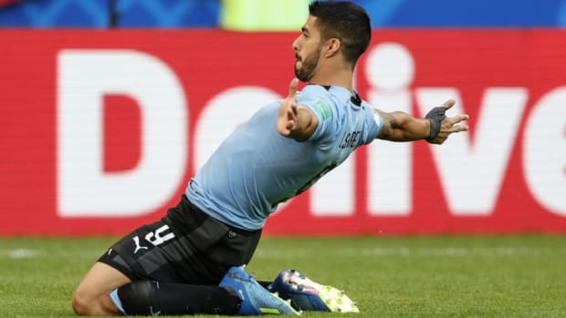 uruguay-v-russia-group-a-2018-fifa-world-cup-russia-5b312eaa347a02424900000f.jpg