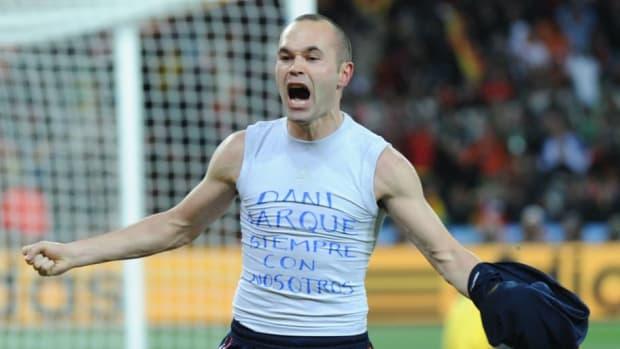 spain-s-midfielder-andres-iniesta-celebr-5b0eb6e2f7b09d0339000008.jpg